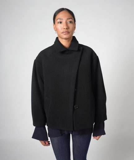 manteau court noir en laine recyclée velma house of dagmar